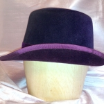 side view of upturned brim