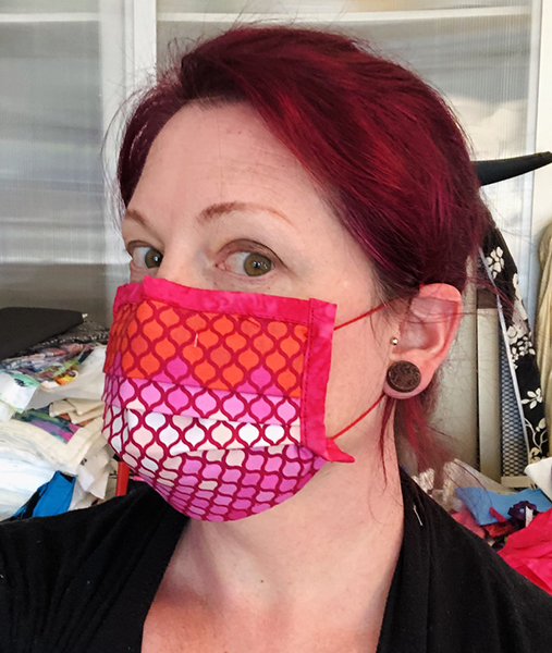 Six face masks, pleated style