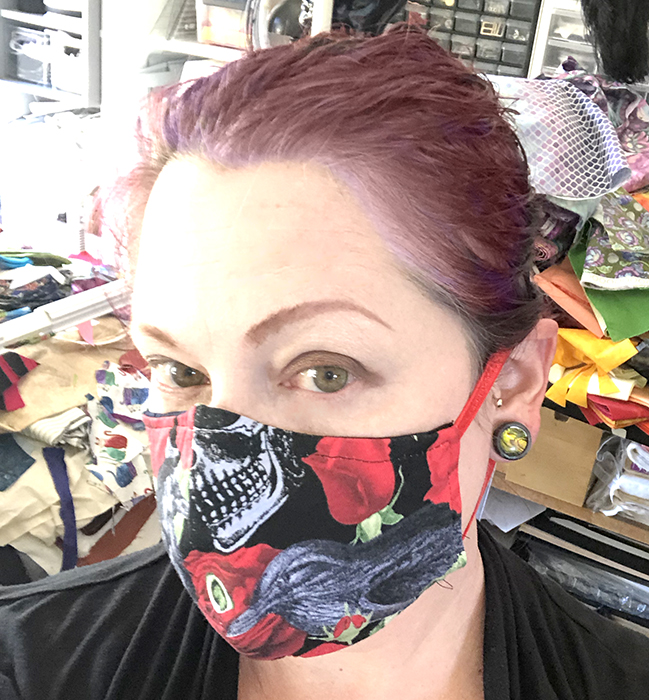 Crows 'n' Roses fitted mask