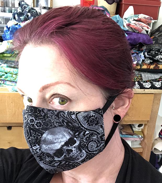 Damask skulls fitted mask