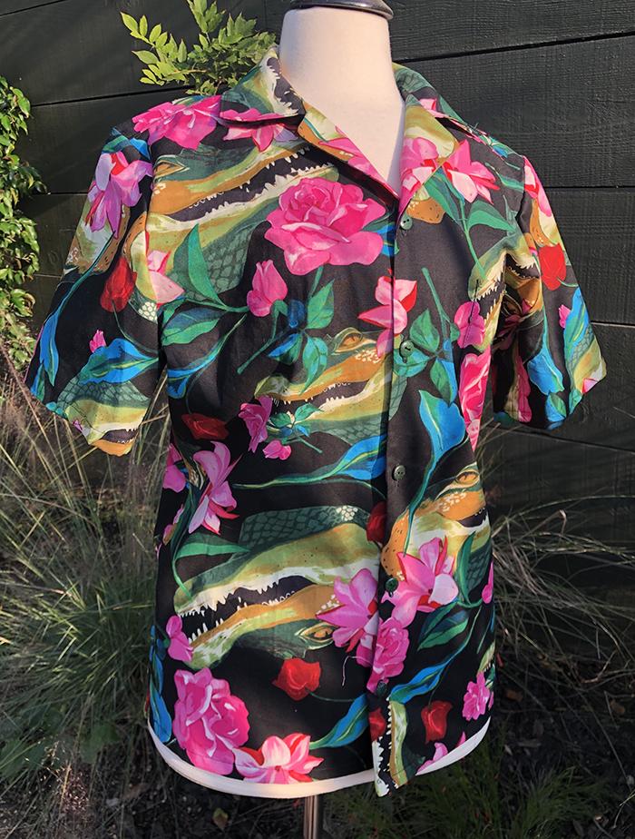 "Men's size M ""Grins 'n' Roses"" tropical shirt"
